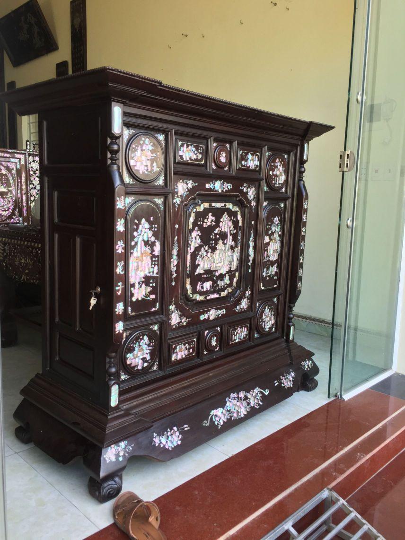 Tủ thờ Đồng Kỵ với màu sắc và chất liệu gỗ đảm bảo chất lượng